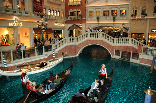 paris_las_vegas_grandcanal_shop